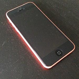 ねんがんのiPhone(5C 中古)をてにいれたぞ。